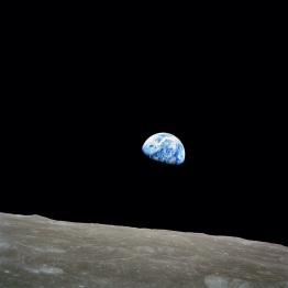 Earthrise, 1968 (wikipedia.org)